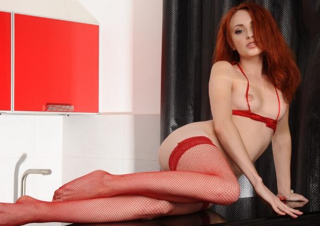 Рыжеволосая проститутка